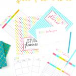 Kids struggling at school? This 46-page free printable student planner is perfect for kids to stay on track and get super organized. #studentplanner #planner #schoolplanner #kidsprintables #freekidsprintables #freeschoolprintables