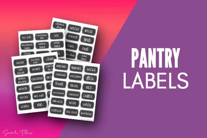 These free printable modern chalkboard pantry labels are perfect to organize your kitchen and even come with SVG's! #diy #png
