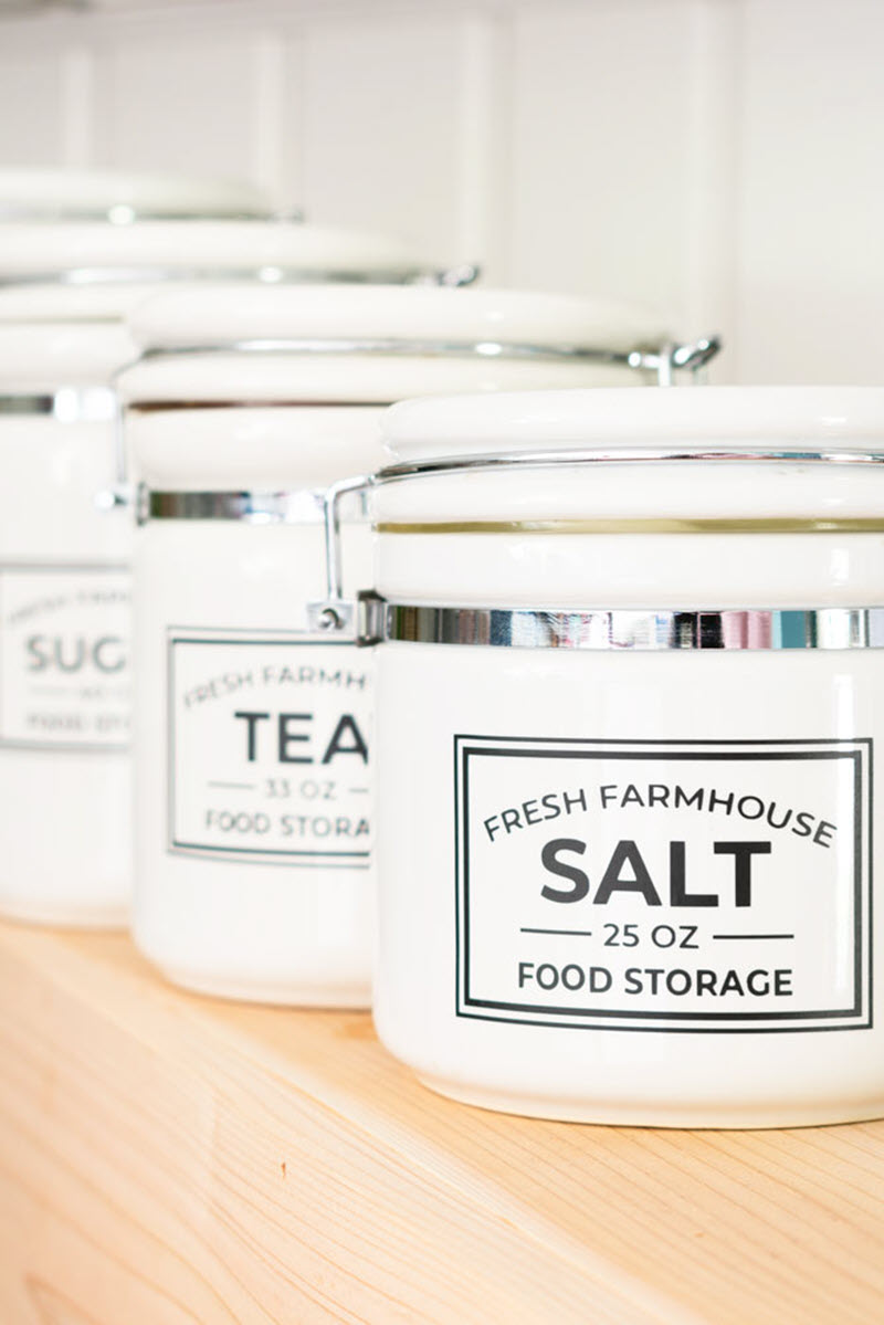 Your farmhouse kitchen will surely get an upgrade with these amazing farmhouse pantry labels. They are black & white so they will blend into any farmhouse décor.