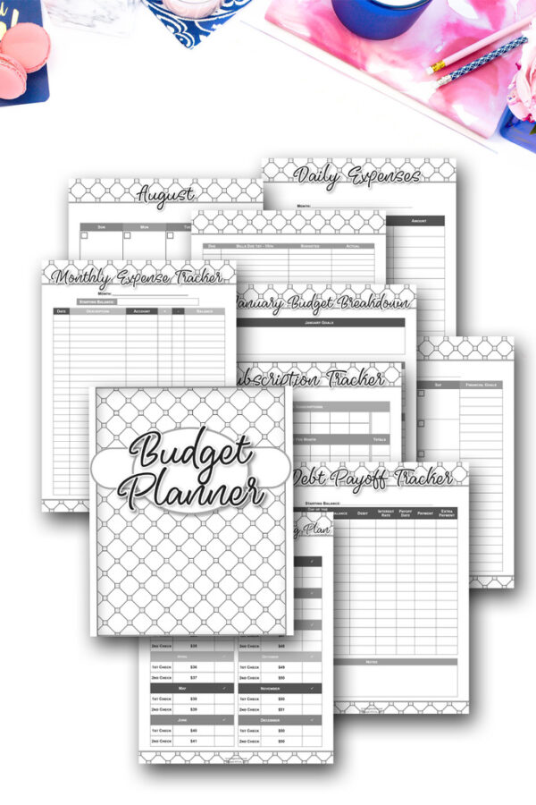 For a very limited time, you can get my brand new Budget Planner fa FREE (!!!) when you buy it in my shop and use discount code (if the link doesn't automatically zero out the total): 30KDEBTGONE