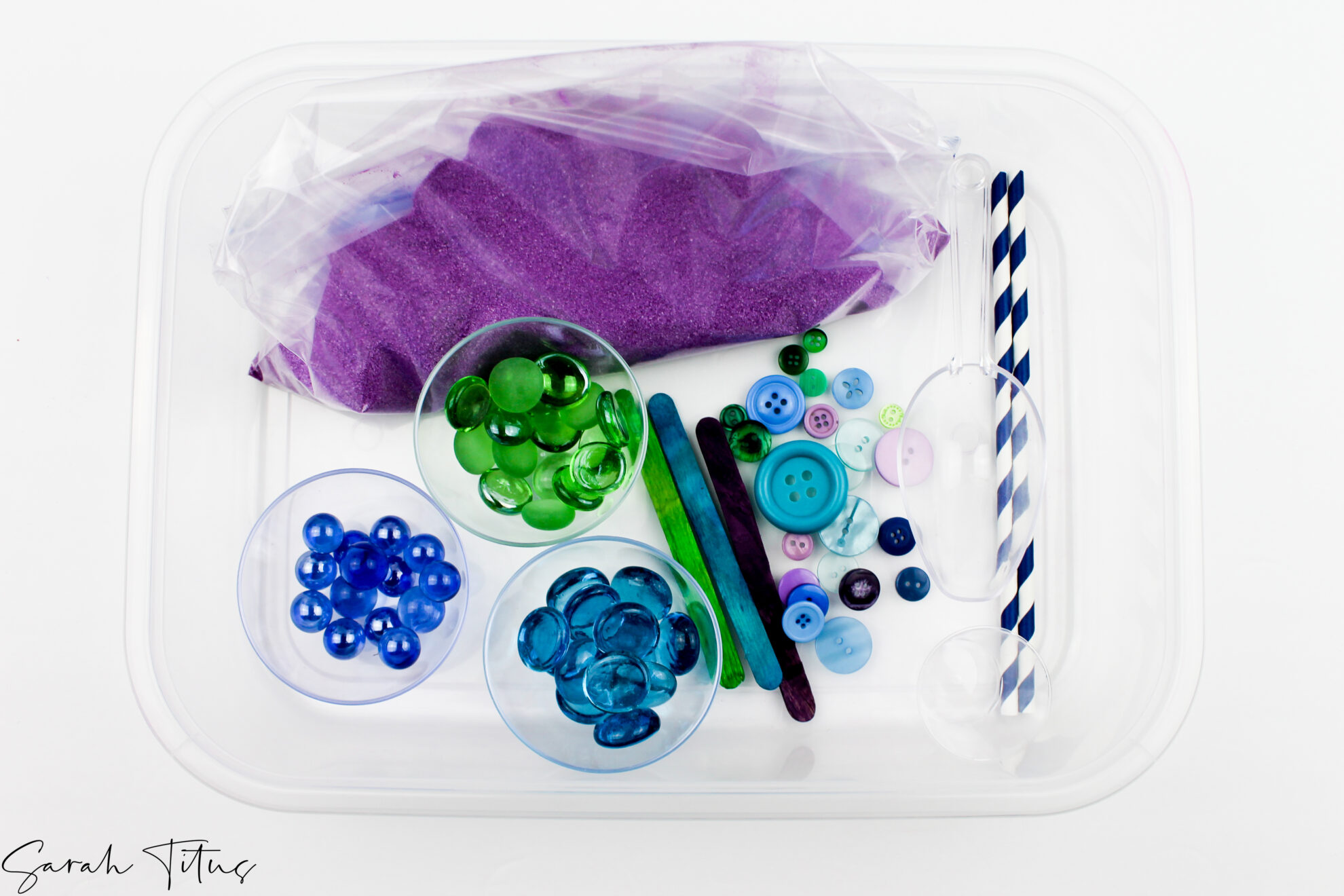 How To Make A DIY 5 Sensory Bin For Toddlers