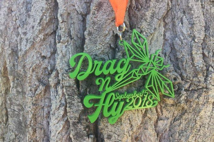 Drag-n-fly half marathon medal