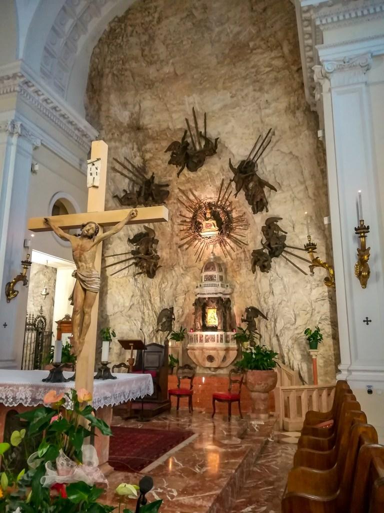 Altare Santuario Madonna della Corona