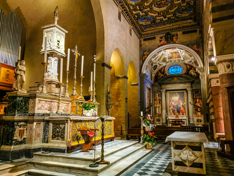 Altare-Maggiore-Duomo-di-Volterra