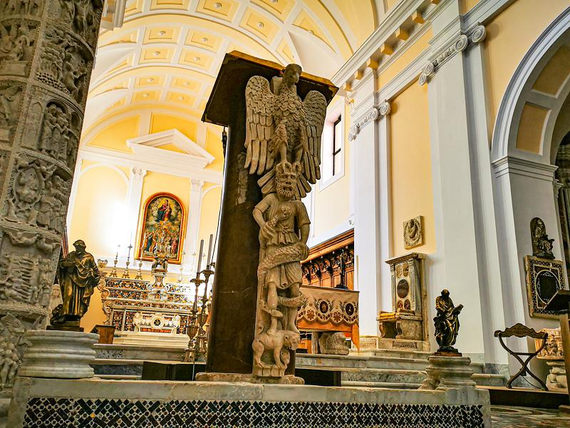 Interno-Cattedrale-Gaeta-a-settembre