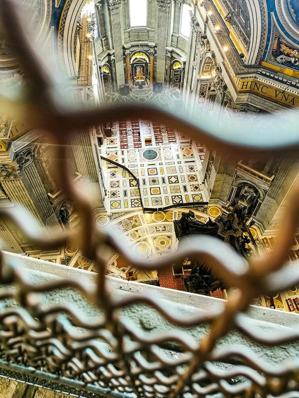 Interno-Basilica-San-Pietro