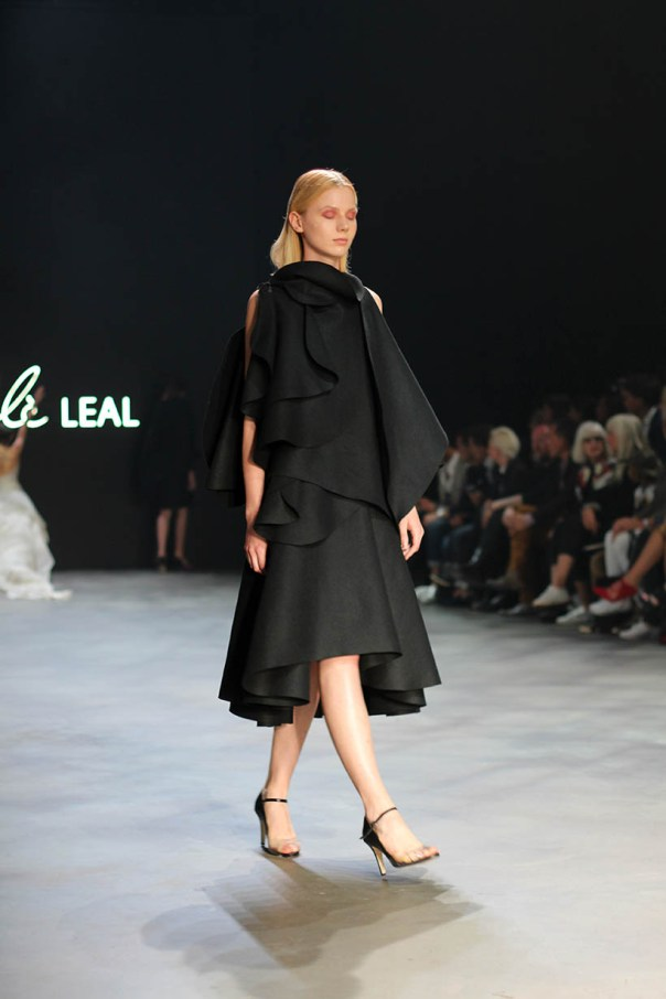 sunday special mbfwa favorites maria cle leal doutzen kroes ballet fashionshow amsterdam5