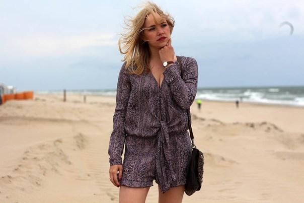 Life is a beach outfit ootd dutch fashion blogger sarandipity sarandaadriana playsuit my isabelli noosa amsterdam daniel wellington3