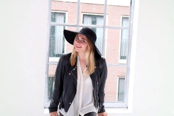 black-white-ecco-outfit-ootd-dutch-fashion-blogger-sarandaadriana4