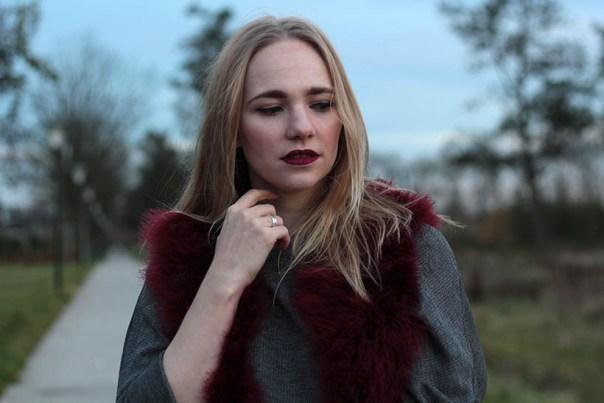 Red velvet outfit ootd fashionblogger sarandaadriana1