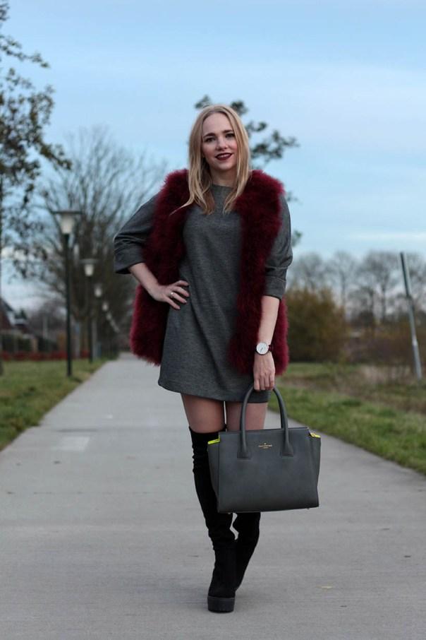 Red velvet outfit ootd fashionblogger sarandaadriana3