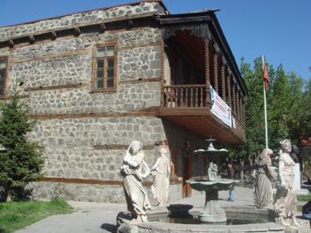 Gazi Muhtar Paşa, Kars