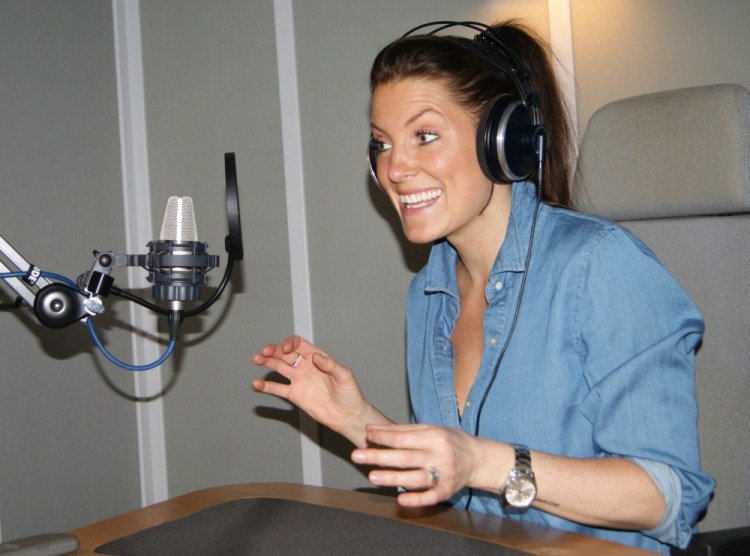 Kvindelig speaker og skuespiller Sara Qvist