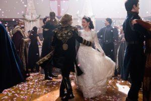 "Toby Regbo: in ""Reign""... Toby Regbo e Adelaide Kane – Matrimonio di Francis e Mary"