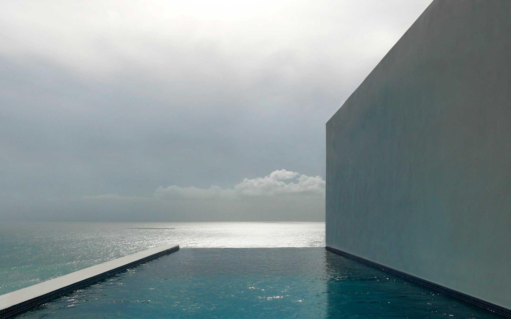 Caribbean Hilltop Residence photo: Steven Brooke Studios