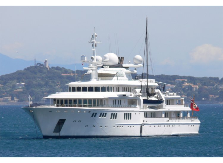The Tatoosh was rented just before the event by PetroSaudi to entertain Malaysian friend in the South of France