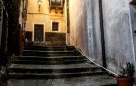 La piazza senza veli (di Giovanni Cubeddu)