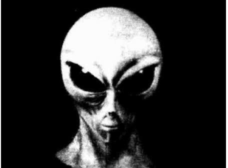 26 novembre 1977, il predicatore alieno in tv (di Francesco Giorgioni)