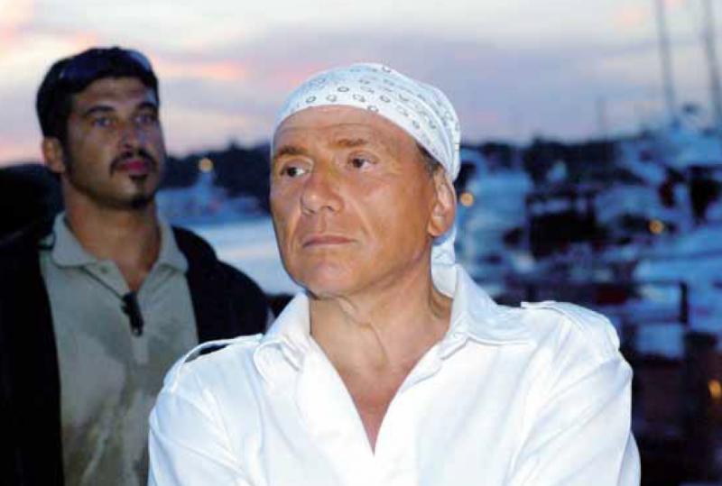 Quando Silvio agitava la manina (di Francesco Giorgioni)