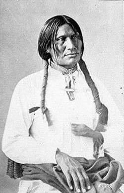 """""""Seppellite il mio cuore a Wounded Knee."""" L'ultimo massacro…poi la chiamarono democrazia. (di Mimmia Fresu)"""