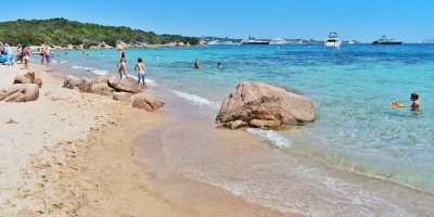 spiaggia liscia ruja
