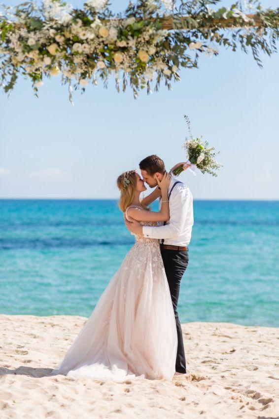 Auf Sardinien am Strand heiraten