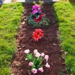 grave tending for overseas relatives