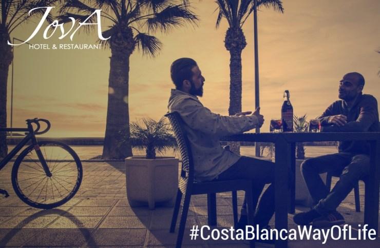Campaña de publicidad Verano de Jova Restaurant en El Campello: diseños para Facebook y flyers