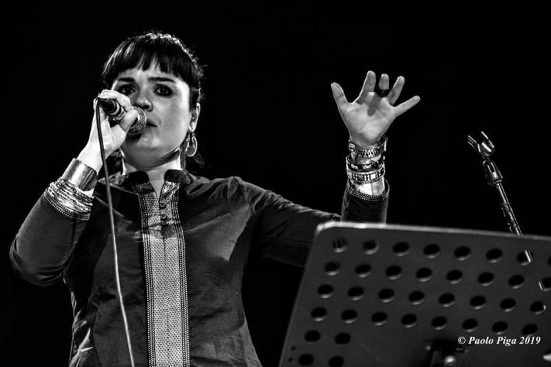 Claudia Aru - Mattep Lepne Live - Ex-Vetreria - Paolo Piga - 2019 - live report - Sa Scena Sarda