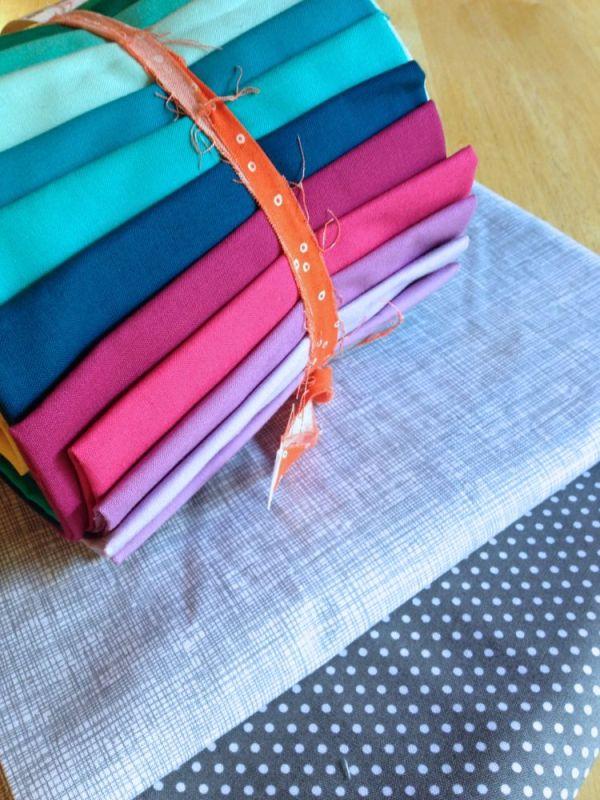 aviatrix medallion quilt along fabrics