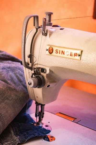 white singer sewing machine