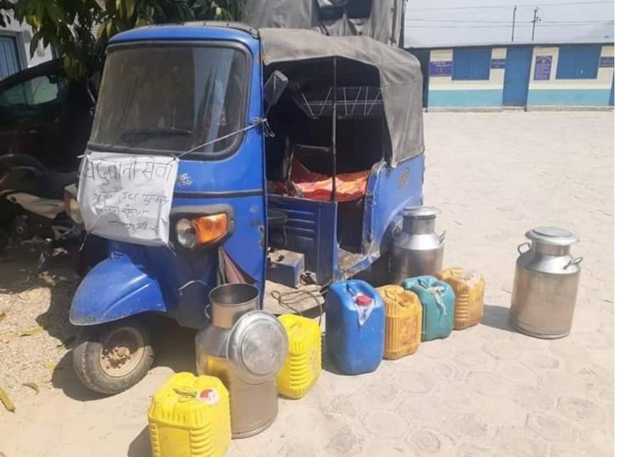 """लकडाउनको समयमा """"दूध ढुवानी सेवा""""  टाँसेर अवैध मदिरा ओसारपोसार"""