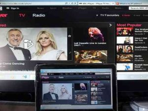 Connect a laptop to TV iplayer on laptop