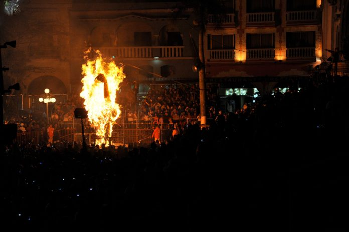 trump effigy burning satan san francisco