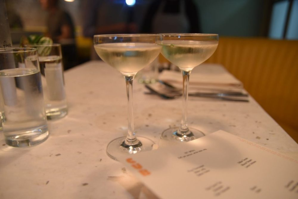 Cub restaurant Krug champagne