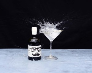 Crazy Gin Gibson Martini splash 1800px ©SatedOnline