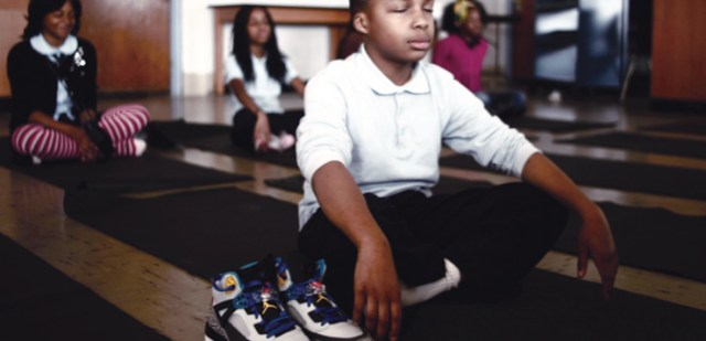 how-mindfulness-benefits-students-police-officers-and-married-couples