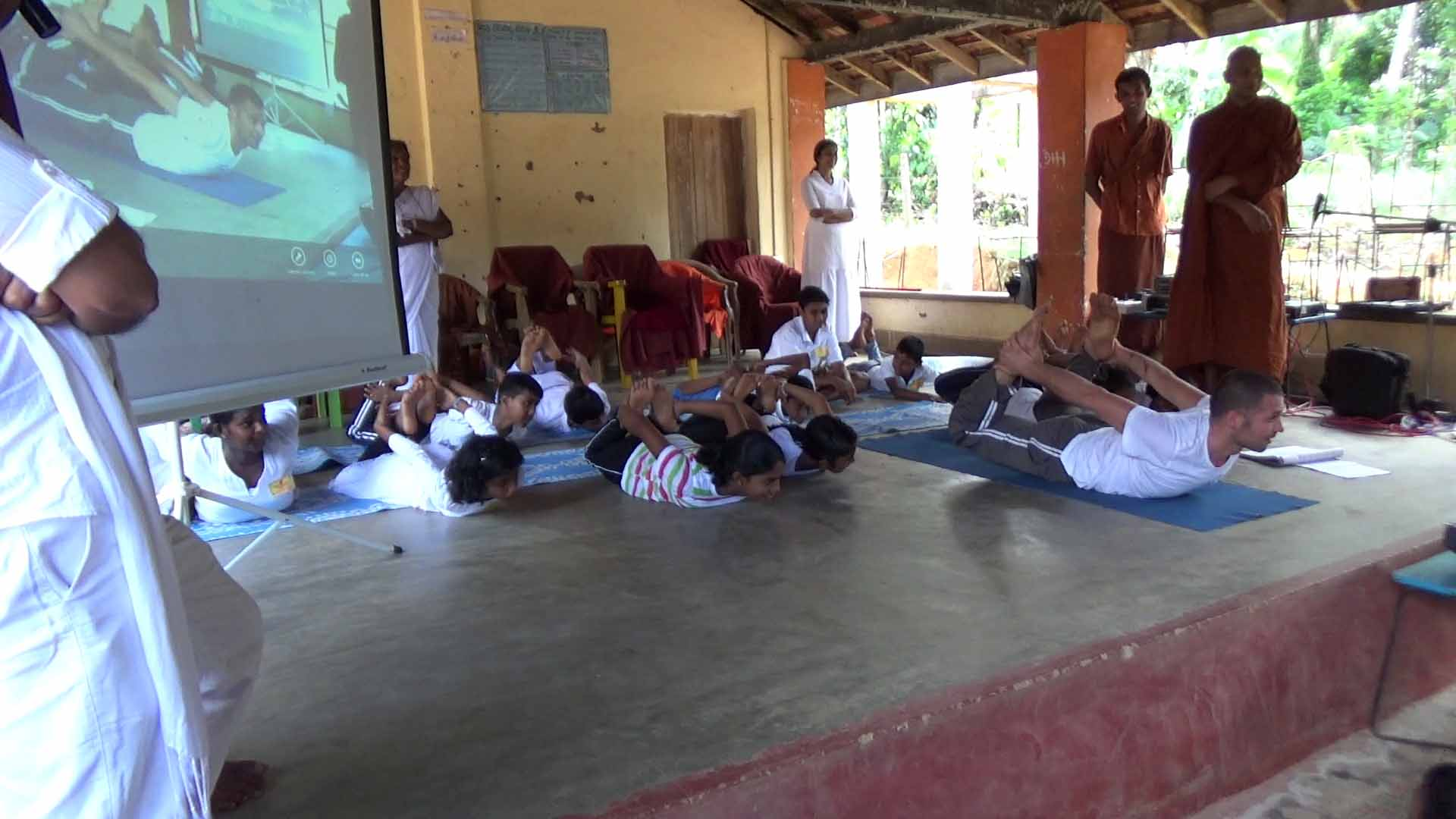 Sati Camp at Meethirigala Kanishta Vidyalaya-yoga session (15)