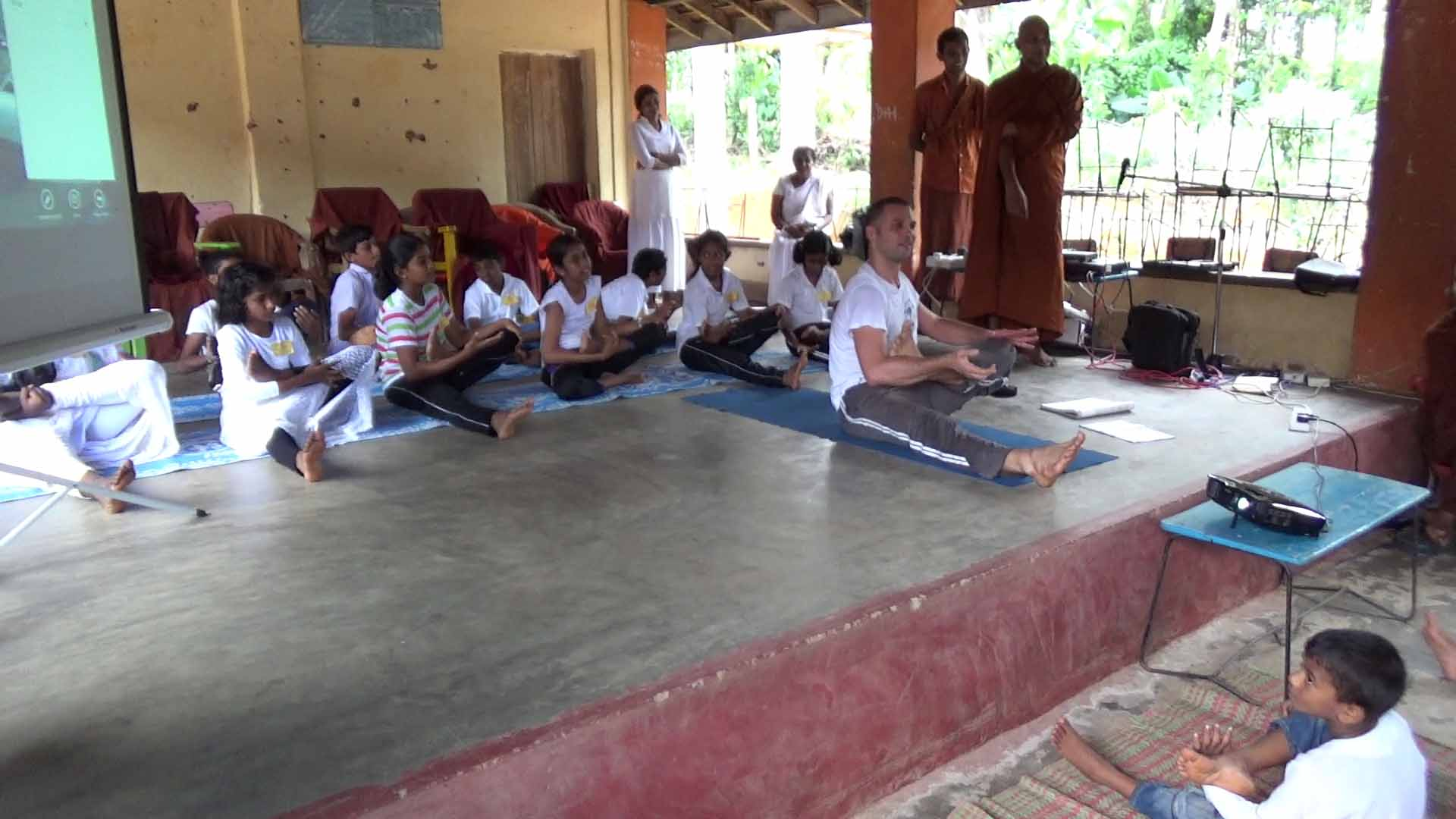 Sati Camp at Meethirigala Kanishta Vidyalaya-yoga session (23)