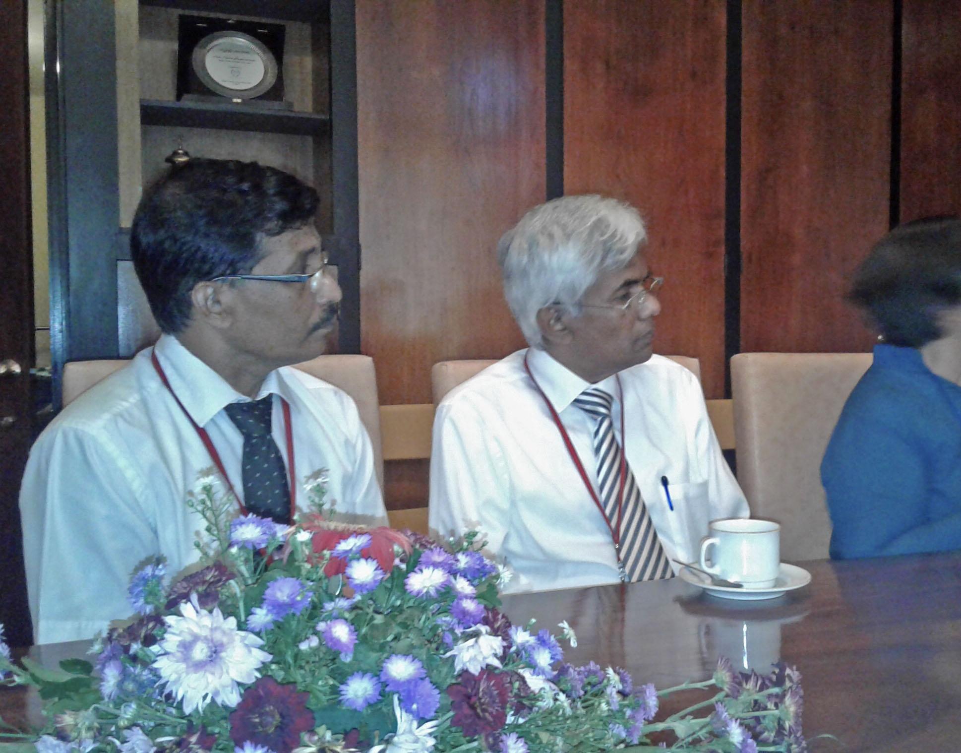 Sati Pasala - Mindfulness to the Sri Lankan Parliament 1
