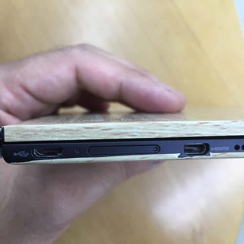 縁(HDMI・USB端子側)