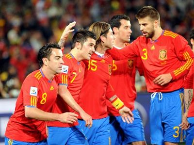 Spania şi-a amintit că joacă fotbal