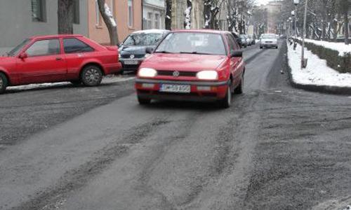 Încep reparaţiile la străzi şi harababura în trafic