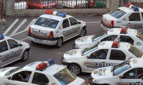Combustibil, cu prioritate pentru maşinile poliţiştilor din structurile operative!