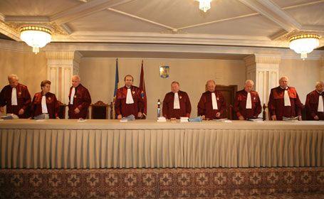 Curtea constituţională nu se împotriveşte suspendării preşedintelui Traian Băsescu
