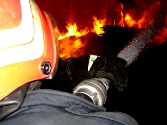 Șură din Târșolț, mistuită de flăcări