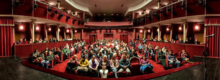 """Lansarea albumului """"Y:I"""" la Teatrul Municipal din Carei (Foto)"""