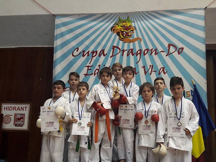 "Karateka de la Zanshin s-au întors cu 14 medalii de la Cupa ""Dragon Do"" (Foto)"
