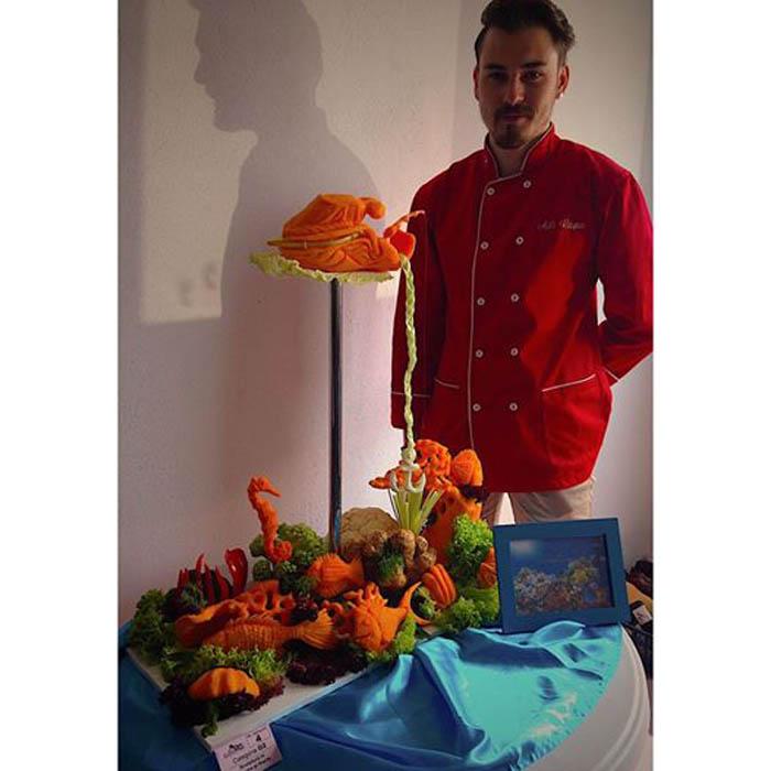 Adrian Râpa, cel mai bun sculptor în fructe. Sătmăreanul a cucerit locul I la GastroPan (Foto)