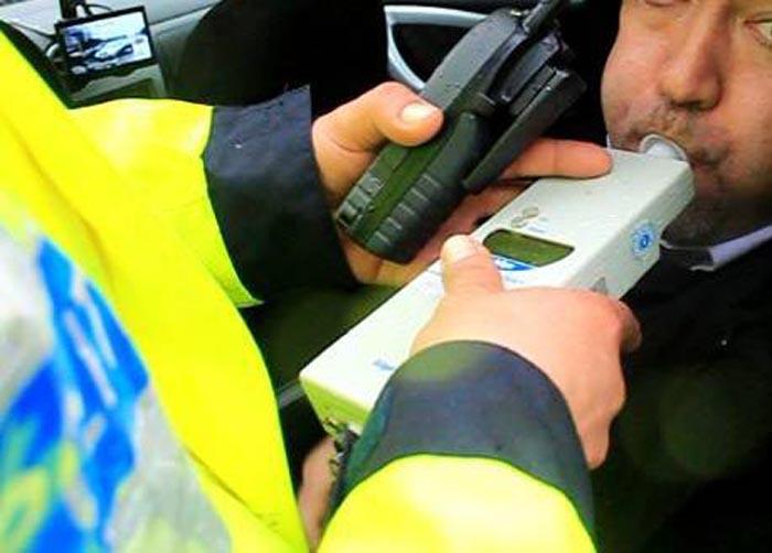 """Recomandarea polițiștilor: """"Nu vă urcaţi la volan, dacă aţi consumat băuturi alcoolice !"""""""